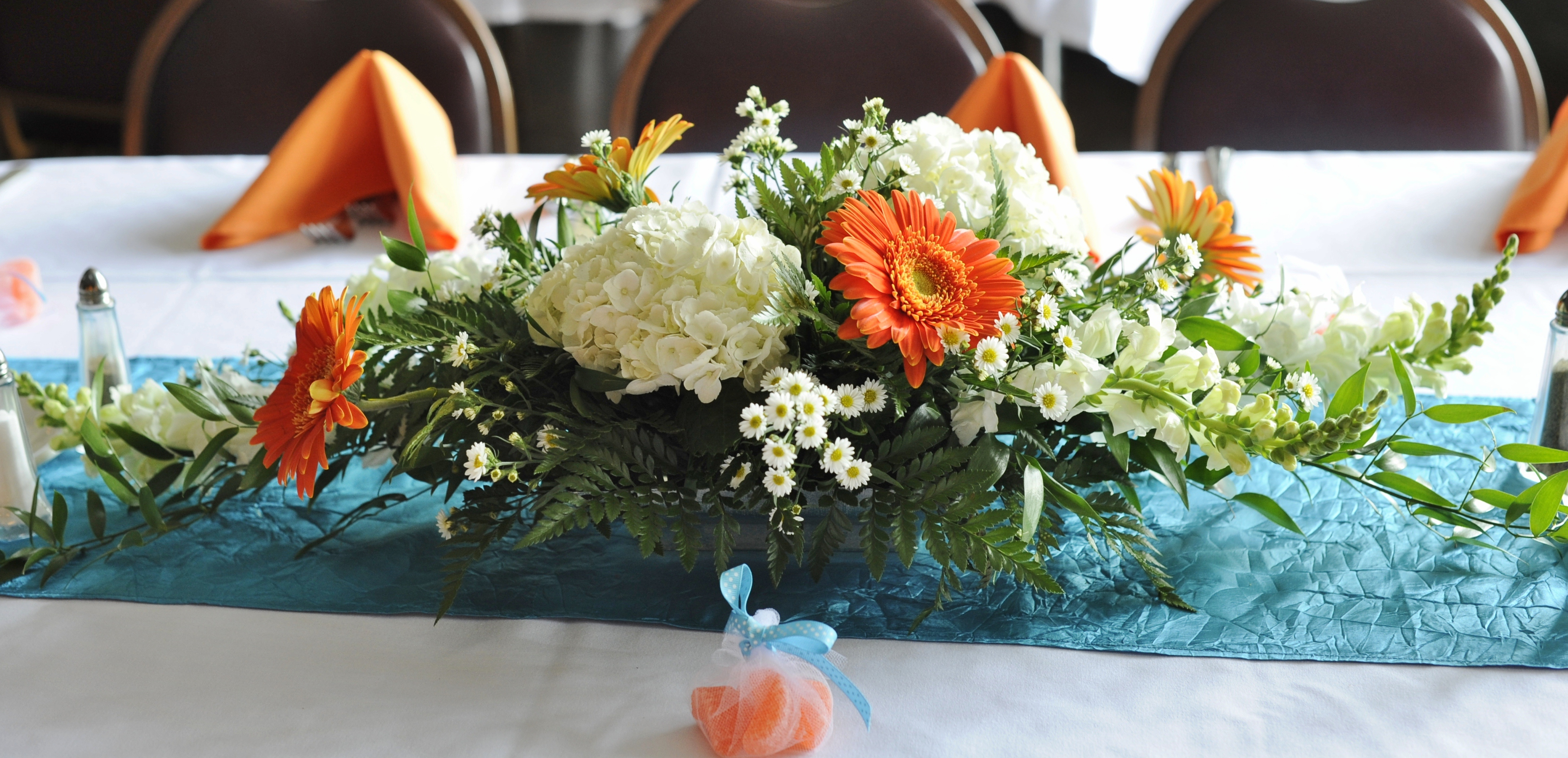 Centerpiece echelon florist